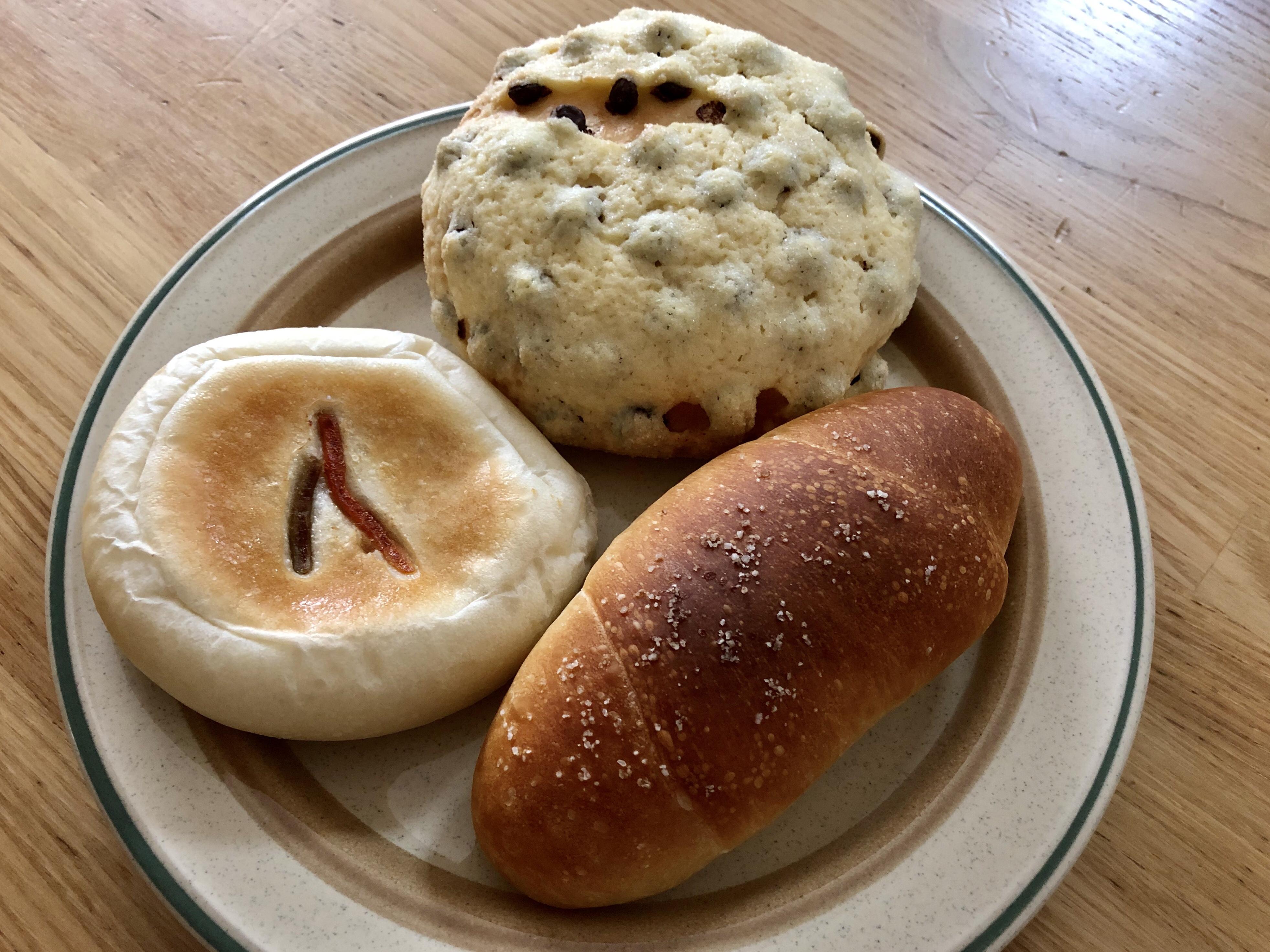 白山市の松任のベーカリーわたやプラスワンの塩パン