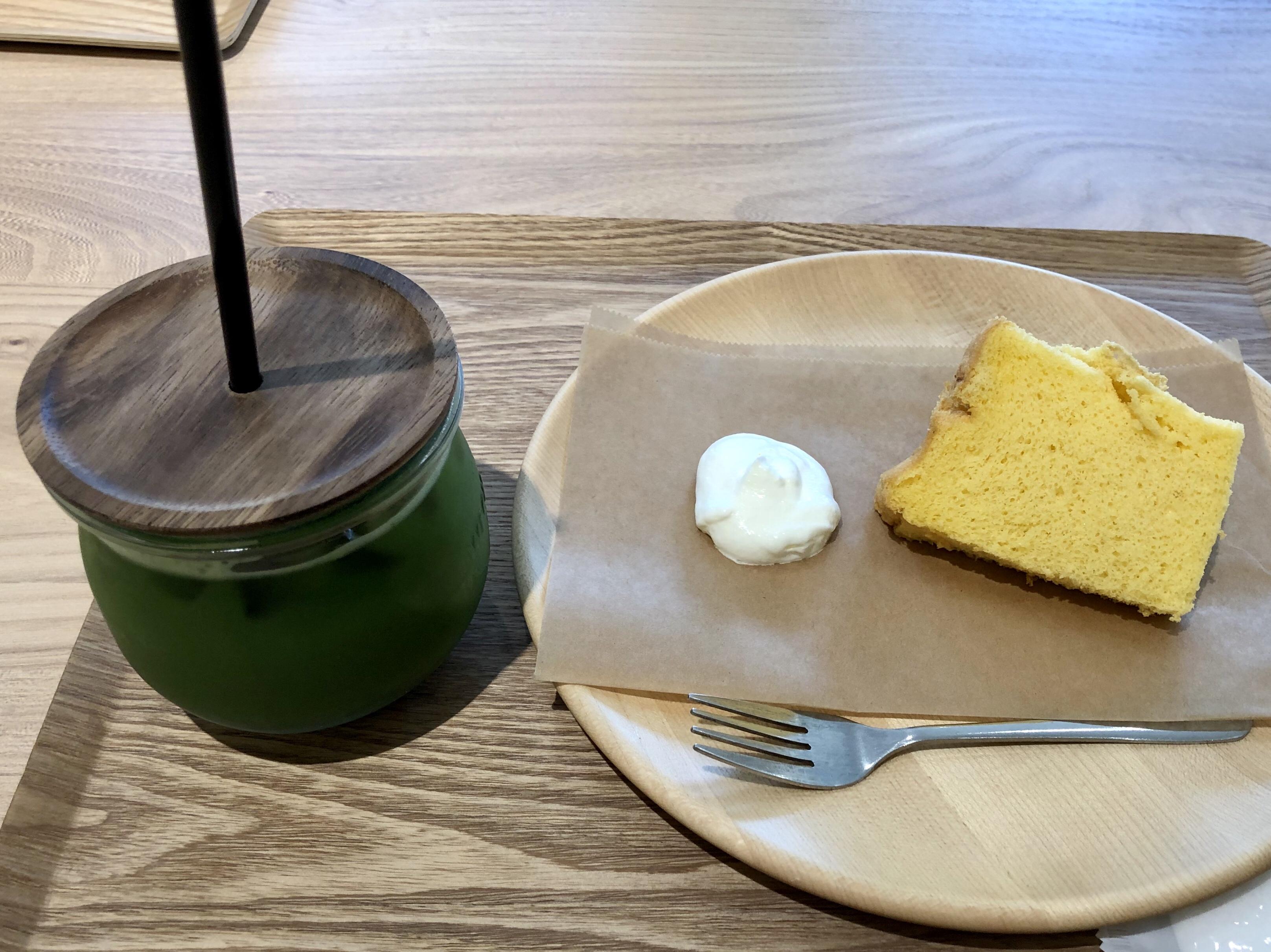 金沢市のカフェの茶のみのアイス抹茶