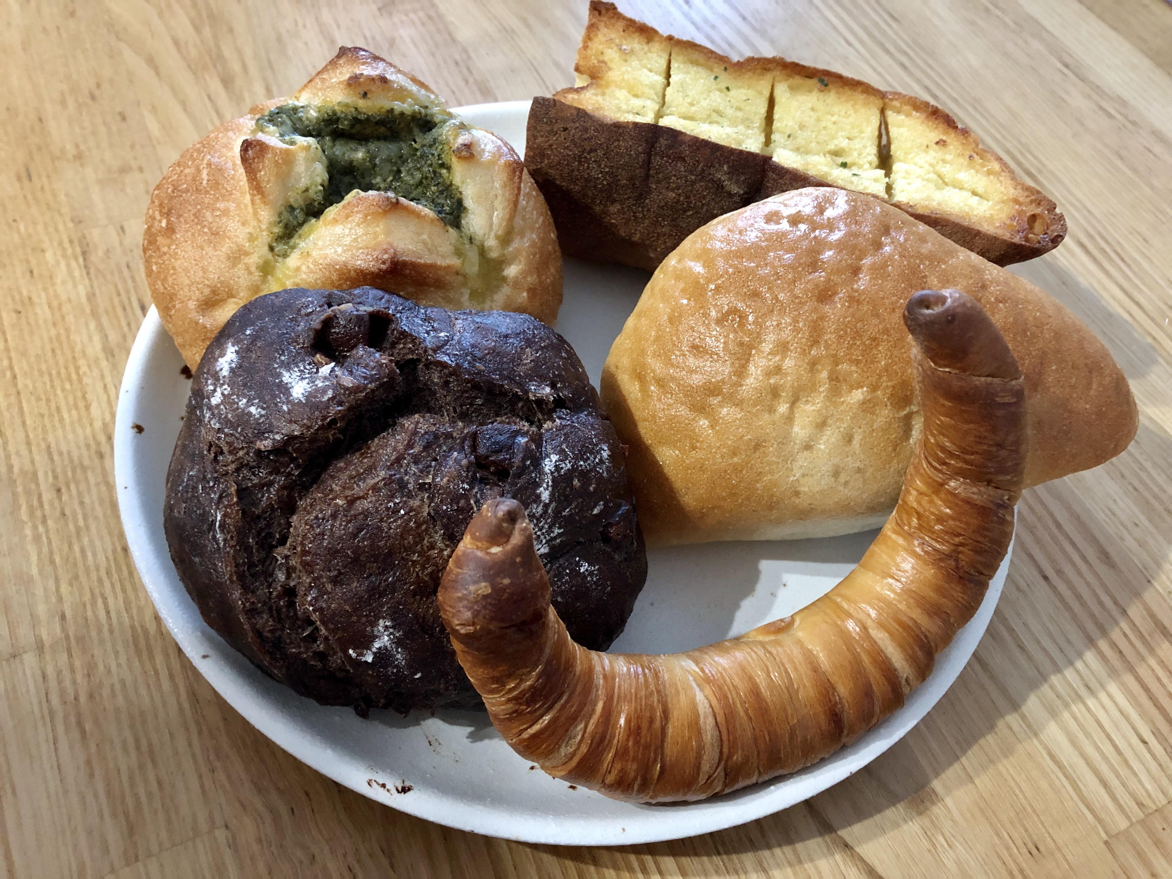 小松市の木場潟近くのパン屋のサヴァのパン